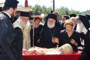 Ιερώνυμος και πλήθος Ιεραρχών στο ΄΄ύστατο χαίρε΄΄ του Μητροπολίτη Φιλίππων Προκόπιου