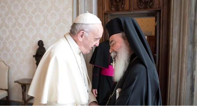 You are currently viewing Για τα προβλήματα που αντιμετωπίζουν οι Χριστιανοί στη Μέση Ανατολή, συζήτησαν ο Πατριάρχης Θεόφιλος και ο Πάπας Φραγκίσκος