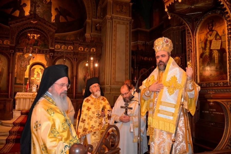 You are currently viewing Ο Μητροπολίτη Σμύρνης Βαρθολομαίος , λειτούργησε στον Ι. Ναό του Αγίου Γεωργίου Καρύτση