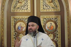 Αρχιμ. Διονύσιος Κατερίνας: Για όλους η δύναμη του Χριστού είναι μια μεγάλη αγκαλιά