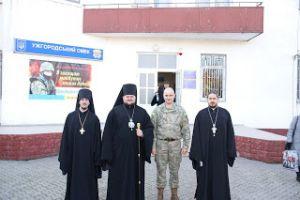 Αχώριστοι Εκκλησία και Στρατός στην Ουκρανία