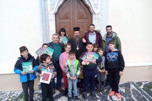 Αγκάλιασε τα ασυνόδευτα της ΒΙΑΛ ο Σεβασμιώτατος και τις άπορες οικογένειες του Χαλκειούς