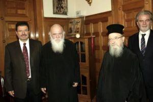 Ο Αιτωλίας Κοσμάς στον Αρχιεπίσκοπο – Μία επίσκεψη με πολλές ερμηνείες