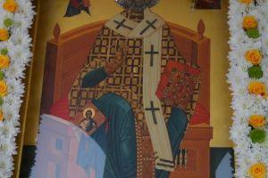 Θεία Λειτουργία στον Πανηγυρίζοντα Ενοριακό Ιερό Ναό Αγίου Νικολάου – Σεληνίων Σαλαμίνος