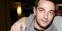 Ο ηθοποιός Άρης  Σερβετάλης εξομολογείται δημόσια: «Έπιασα πάτο και με βοήθησε ο Θεός για να σωθώ»