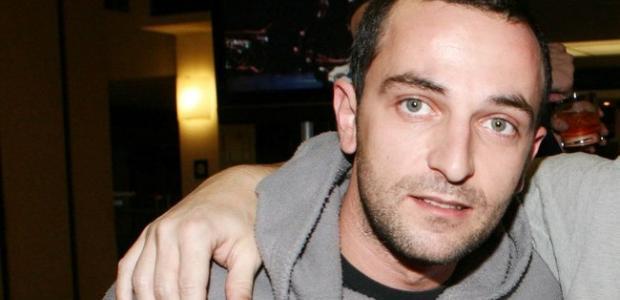 You are currently viewing Ο ηθοποιός Άρης  Σερβετάλης εξομολογείται δημόσια: «Έπιασα πάτο και με βοήθησε ο Θεός για να σωθώ»