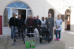 Ιατρικό χρηστικό και βοηθητικό υλικό στο Γηροκομείο της Ι.Μ. Σύρου από τον κ. Βακόνδιο