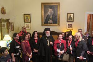 Ο Μητροπολίτης Σύρου τίμησε τους συνταξιοδοτηθέντες Νοσηλευτές
