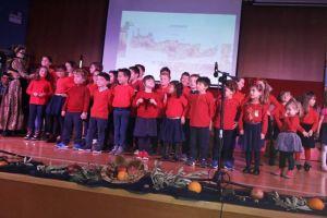 Τα παιδιά των κατηχητικών μας ύμνησαν τα Χριστούγεννα
