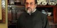 Ο πατήρ Αλέξανδρος Καριώτογλου έχει το δικό του Ευαγγέλιο….