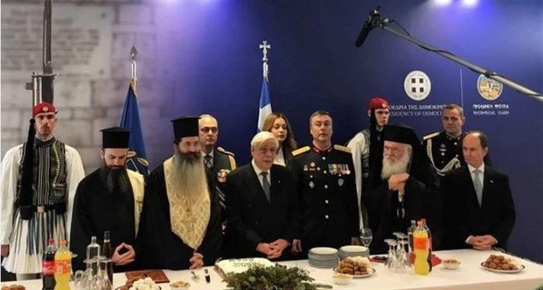 Ο Αρχιεπίσκοπος Αθηνών Ιερώνυμος στην τελετή κοπής της Βασιλόπιτας στην Προεδρική Φρουρά
