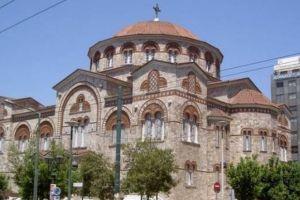 Η Μητρόπολη Πειραιώς αναιρεί και αποστομώνει με επιχειρήματα  θλιβερές  συκοφαντίες  κατά της Εκκλησίας μας