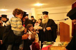 Eορταστική εκδήλωση για τις οικογένειες των Ιερέων της Πάρου και Αντιπάρου από τον Μητροπολίτη Καλλίνικο