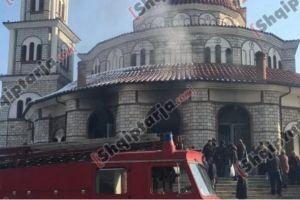 Φωτιά άρπαξε η Μητρόπολη Κορυτσάς – «Φταίνε τα κεριά» ,λένε τα αλβανικά ΜΜΕ