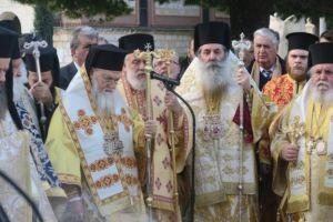 Πολυαρχιερατικό Συλλείτουργο και μνημόσυνο για τον μακαριστό Αρχιεπίσκοπο Χριστόδουλο στα δέκα χρόνια από την ιερή κοίμησή Του.