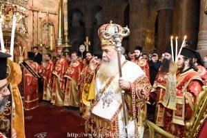Πρωτοχρονιάτικη Θεία Λειτουργία στον Ναό της Αναστάσεως από τον Πατριάρχη Θεόφιλο