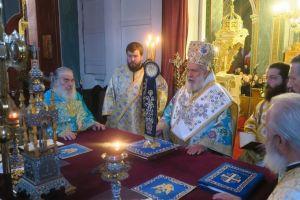 Κυριακή μετά τα Φώτα στη Χώρα της Άνδρου  ο Ποιμενάρχης της νήσου Δωρόθεος
