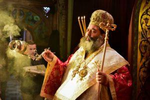 Ο Σεβασμιώτατος Μητροπολίτης Λαγκαδά, Λητής και Ρεντίνης κ.κ. Ιωάννης, χοροστάτησε του Όρθρου και προεξήρχε της Αρχιερατικής Θείας Λειτουργίας, εις τον πάνσεπτο Ιερό Μητροπολιτικό Ναό της Αγίας Παρασκευής Λαγκαδά.