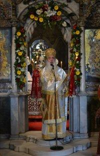 Ο Σεβασμιώτατος Μητροπολίτης Σάμου καί Ἰκαρίας κ.κ. Εὐσέβιος στην Τήνο για τον εορτασμό των 195 χρόνων απο την εύρεση της θαυματουργού εικόνος της  Θεοτόκου.