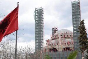 Η Τουρκία ανέλαβε την αποκατάσταση …τζαμιών στην Αλβανία