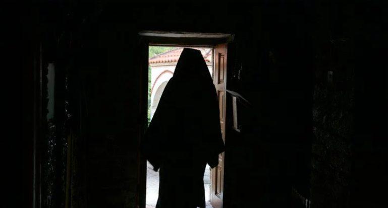 You are currently viewing Στο Εφετείο κακουργημάτων οι Ιερείς και οι εφοριακοί που υπεξαίρεσαν μισθούς 3,8 εκατομμυρίων στη Ι. Μητρόπολη Θεσσαλιώτιδος