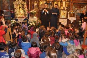 Ι.Μ. Σύρου: 300 μαθητές προσκύνησαν την Εικόνα της Παναγίας Τουρλιανής