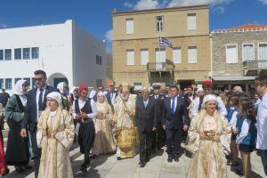 Ο Προκόπης Παυλόπουλος από την Άνδρο: «Οι Έλληνες θέλουμε οι άνεμοι να είναι αληγείς…