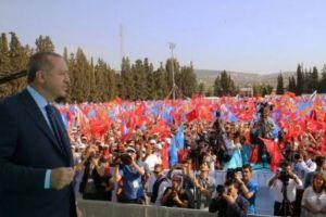 """Ο ανιστόρητος Ερντογάν για να εκλεγεί ψεύδεται και προκαλεί: """"Οι Έλληνες έκαψαν τη Σμύρνη"""""""