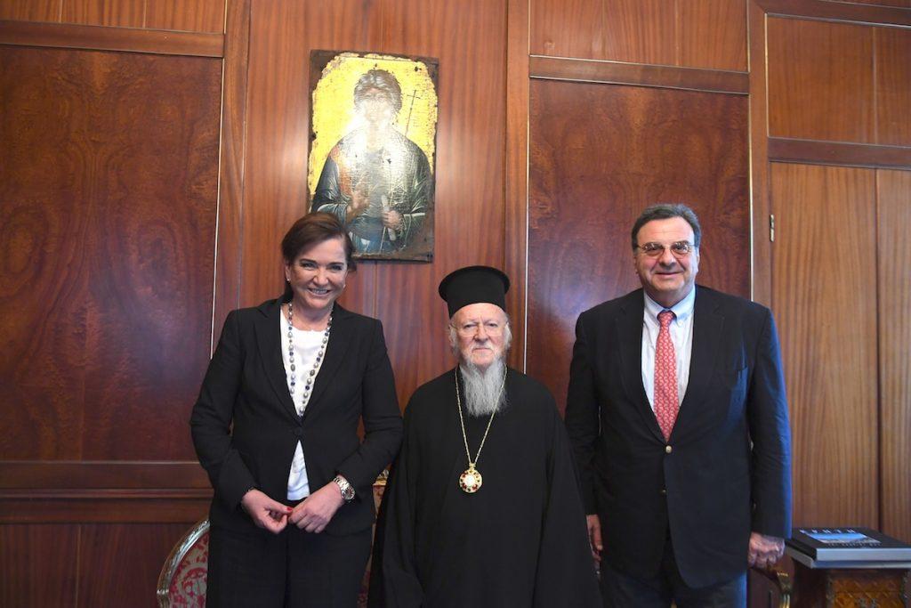 Η Βουλευτής και πρώην Υπουργός Εξωτερικών της Ελλάδος, κυρία Ντόρα Μπακογιάννη  στο Οικουμενικό Πατριαρχείο