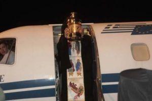17 πτήσεις για να βρεθεί το Άγιο Φώς σε όλη την Ελλάδα