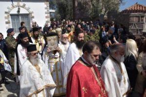 Με λαμπρότητα η εορτή του Αγίου Ραφαήλ στη Μονή του στη Μυτιλήνη