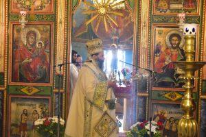 ο Σεβασμιώτατος Μητροπολίτης Λαγκαδά, Λητής και Ρεντίνης κ.κ. Ιωάννης, χοροστάτησε του Όρθρου και προεξήρχε της Αρχιερατικής Θείας Λειτουργίας, εις τον παλαιό Ιερό Ναό του Αγίου Νικολάου Λαγυνών.