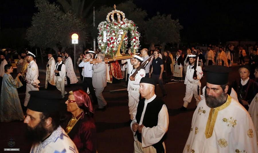 Λαμπρός ο εορτασμός των Αγίων Κωνσταντίνου και Ελένης στη Γλυφάδα