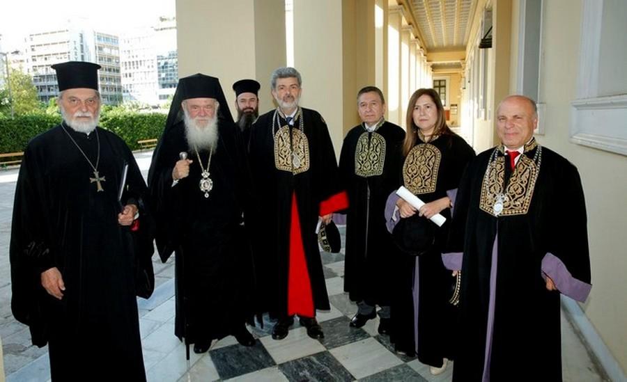 Παρουσία του Αρχιεπισκόπου Αθηνών Ιερωνύμου, η αναγόρευση του π. Γεωργίου Τσέτση σε επίτιμο διδάκτορα