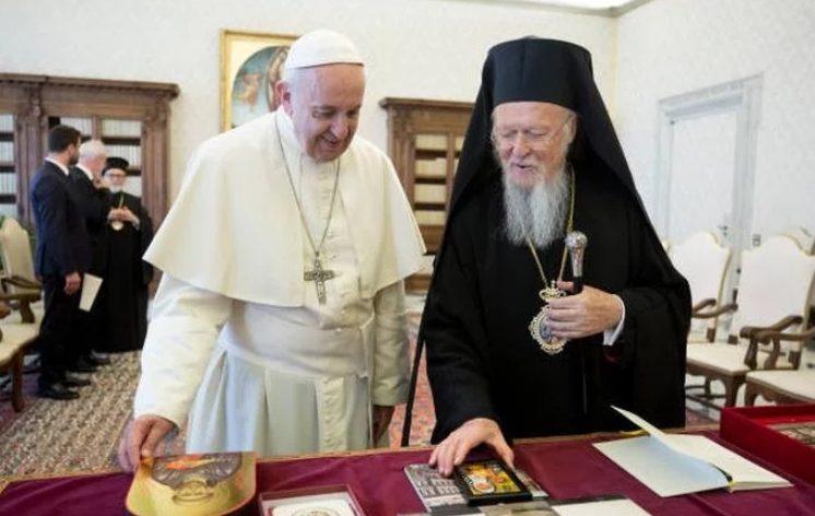 Ο Οικουμενικός Πατριάρχης Βαρθολομαίος συνάντησε τον Πάπα Φραγκίσκο στο Βατικανό