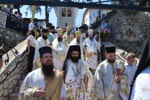 Με λαμπρότητα και παρουσία πλήθους πιστών, ο εορτασμός στην Ι.Μ. Φανερωμένης Λευκάδος