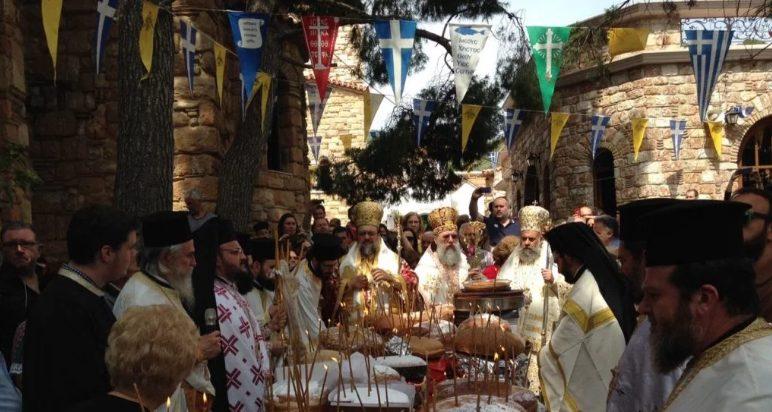 You are currently viewing Πλήθος πιστού λαού στον εορτασμό για τον Άγιο Εφραίμ-Συνεχίζεται το προσκύνημα