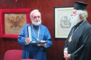 Tον Μεγαλόσταυρο του Ευαγγελιστή Μάρκου απένειμε ο Αλεξανδρινός Προκαθήμενος στον Περγάμου Ιωάννη
