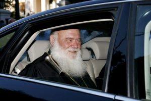 Δήλωση από την Ι. Αρχιεπισκοπή, για την υποτιθέμενη «επίθεση» στο διερχόμενο από το Σύνταγμα αυτοκίνητο του Αρχιεπισκόπου