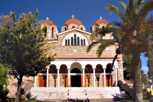 Η Μητρόπολη Κηφισίας κοντά στο δοκιμαζόμενο ποίμνιό της με έργα στήριξης και με προσευχή