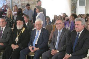 Ο Μητροπολίτης Σύρου στην παρουσίαση του βιβλίου του Προέδρου της Δημοκρατίας