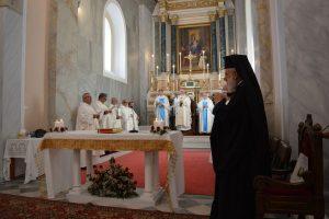Στον Αρχιεπίσκοπο Ρ/Καθολικών για τα 25 χρόνια Επισκοπικής του Διακονίας ευχήθηκε ο Σύρου Δωρόθεος
