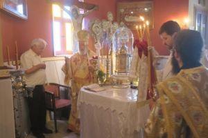 Αρχιερατική Θεία Λειτουργία στη Σέριφο από τον Σύρου Δωρόθεο