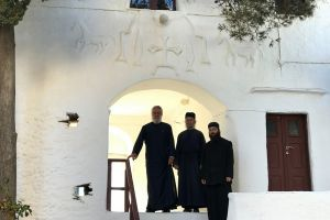 Ποιμαντική Επίσκεψη του Μητροπολίτη Σύρου στην Ιερά Μονή Ταξιαρχών στη Σέριφο
