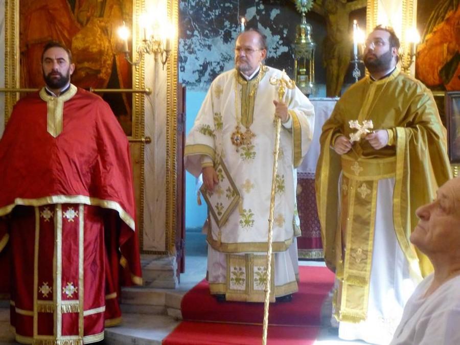 Ο Μητροπολίτης Μυριοφύτου Ειρηναίος στον εορτάζοντα ναό του Αγ. Ιωάννου του Προδρόμου στον Βόσπορο