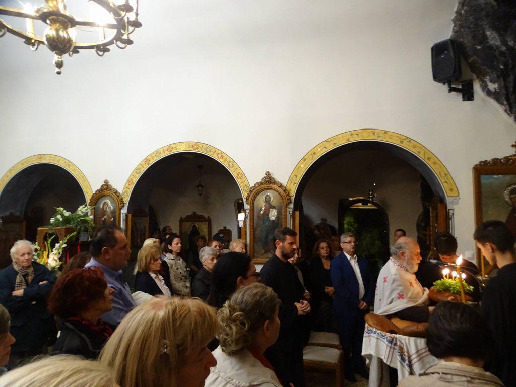 Πλήθη πιστών στον Εσπερινό και στην Αγρυπνία  της εορτής της Συνάξεως των Αγίων Ισιδώρων-Λυκαβηττού