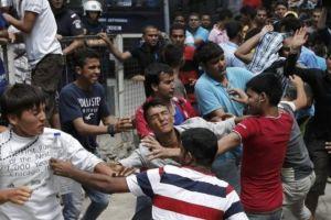 Οι «πρόσφυγες» λεηλατούν τη Λέσβο: Μαχαιρώνουν – Κλέβουν και ληστεύουν