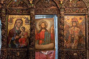 Επανατοποθετήθηκε η Ωραία Πύλη της Παναγίας της Αγιογαλούσαινας στο Άγιο Γάλας στη Χίο