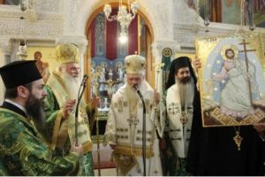Ο Αρχιεπίσκοπος Ιερώνυμος από τα Σπάτα: «Ο Σταυρός δίνει νόημα στην ζωή μας»