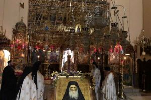 Πρώτη νυχτερινή Αρχιερατική Θεία Λειτουργία για τον Αγιο Αμφιλόχιο Μακρή στα Χανιά